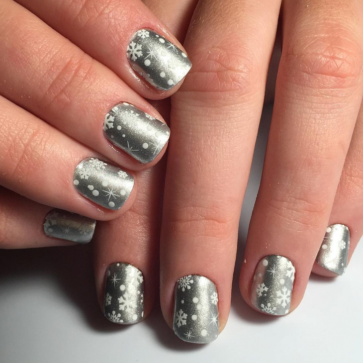 Classy Look Snow Nails