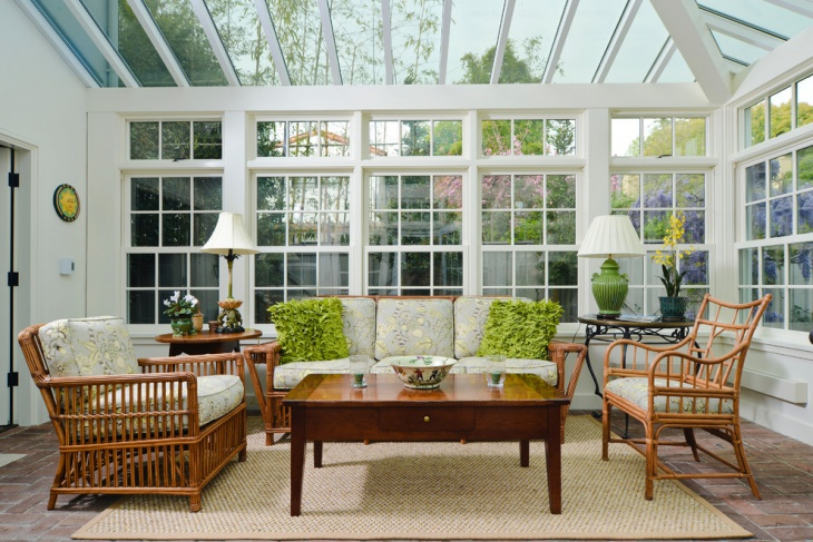 sunroom with interior decor
