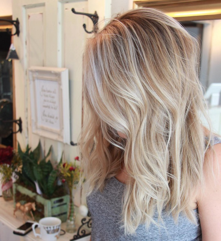 Blonde Wavy Hair Idea