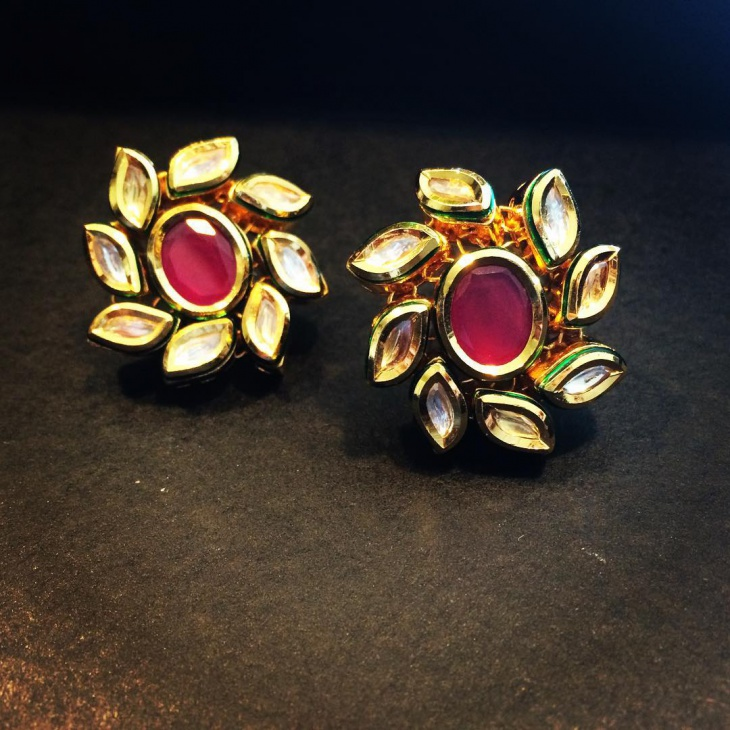 beautiful flower shape studs