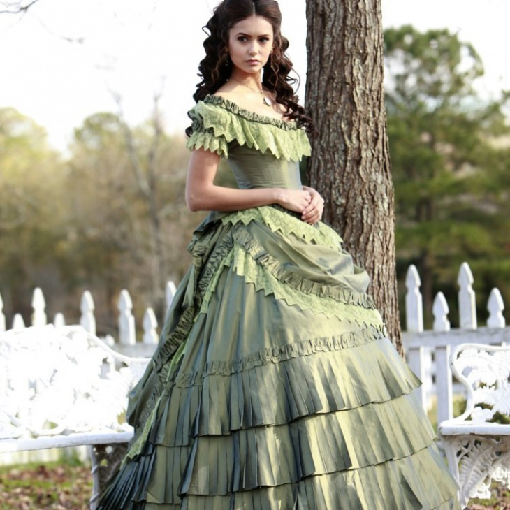 bridal gothic outfit idea