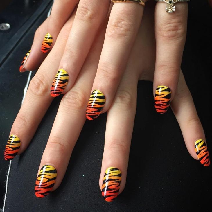 Tiger Pattern Nail Art