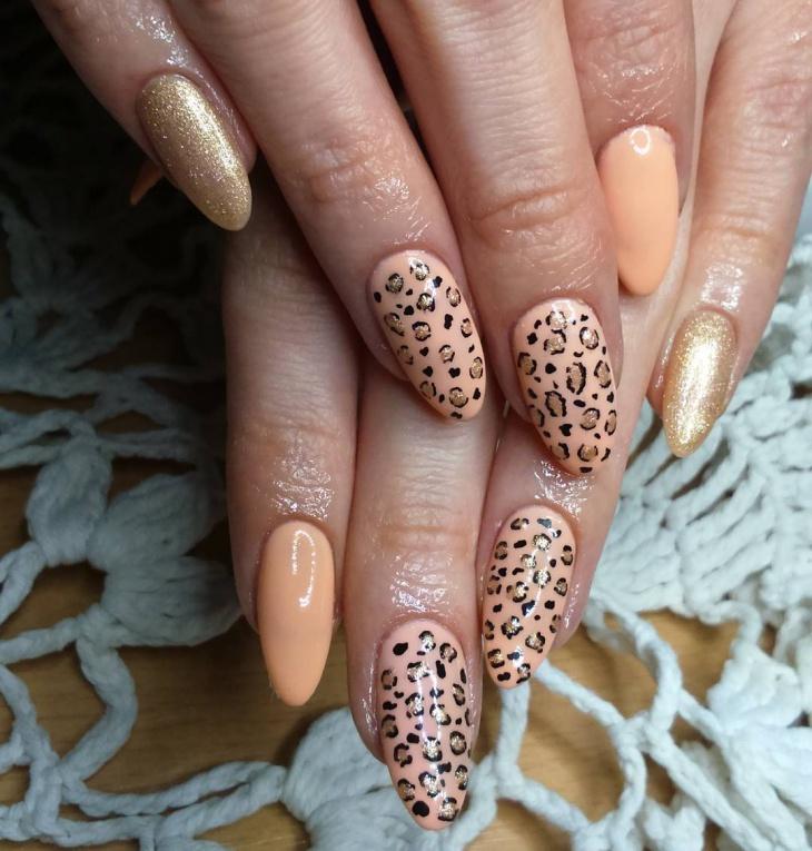 Leopard Pattern Nail Design