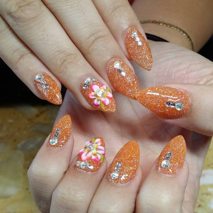 Lovely Glitter Nail Art Idea