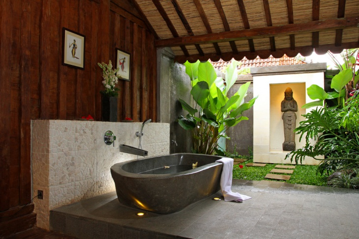 Beautiful Bathtub with Veranda