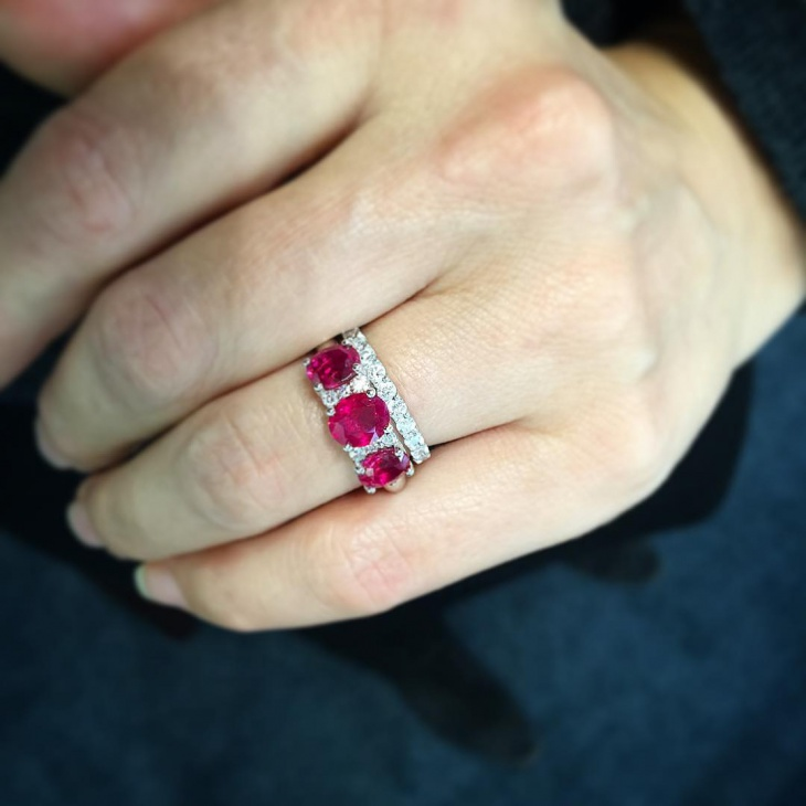 modern gold ruby ring