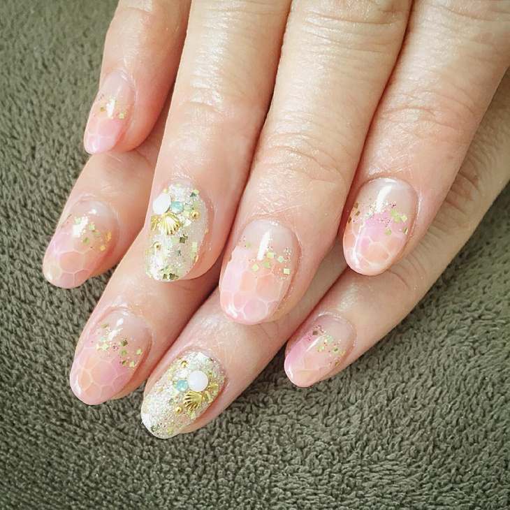 Glitter Bubble Nail Design Idea