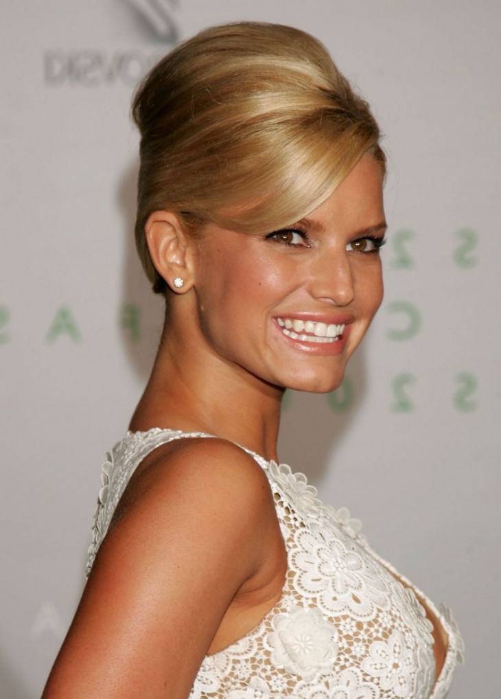 Jessica Simpson Sleek Bouffant Hair Updo