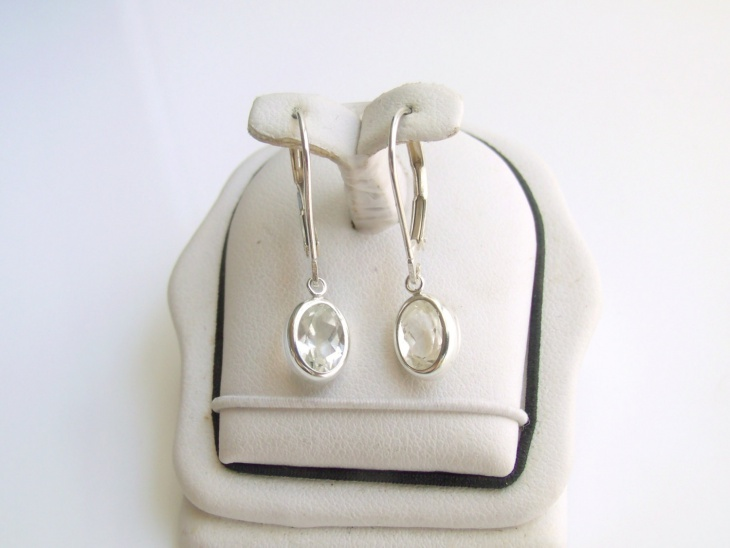 solitaire diamond drop earrings