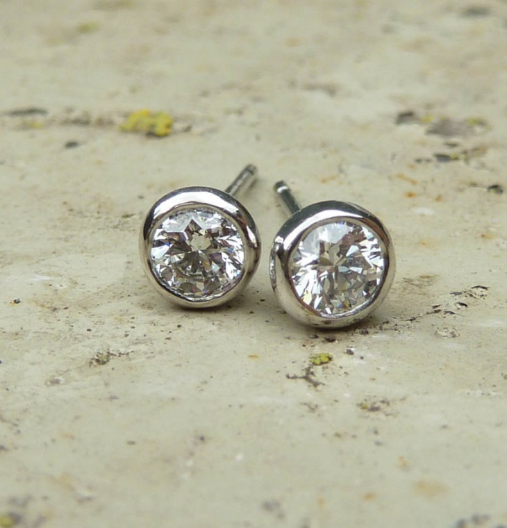 cute platinum studs idea