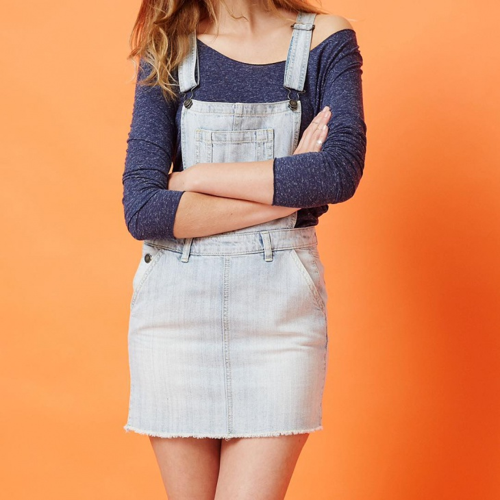 denim dungarees outfit