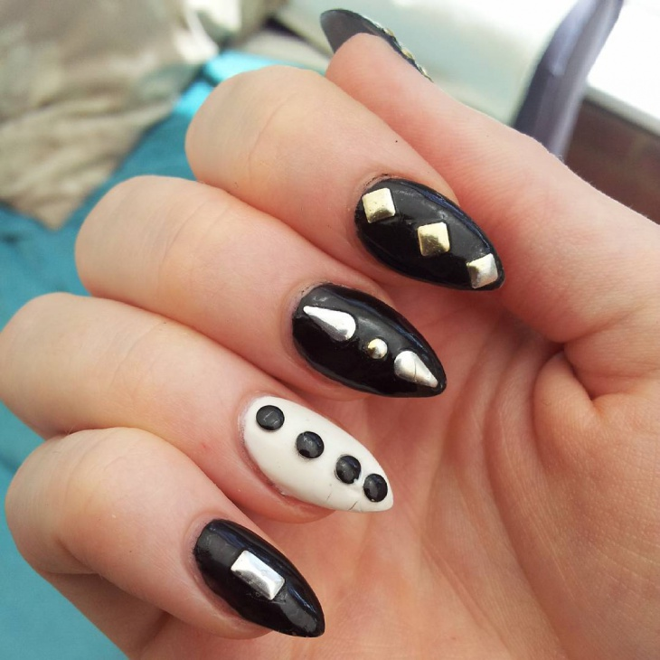 Black Talon Nail Art Idea