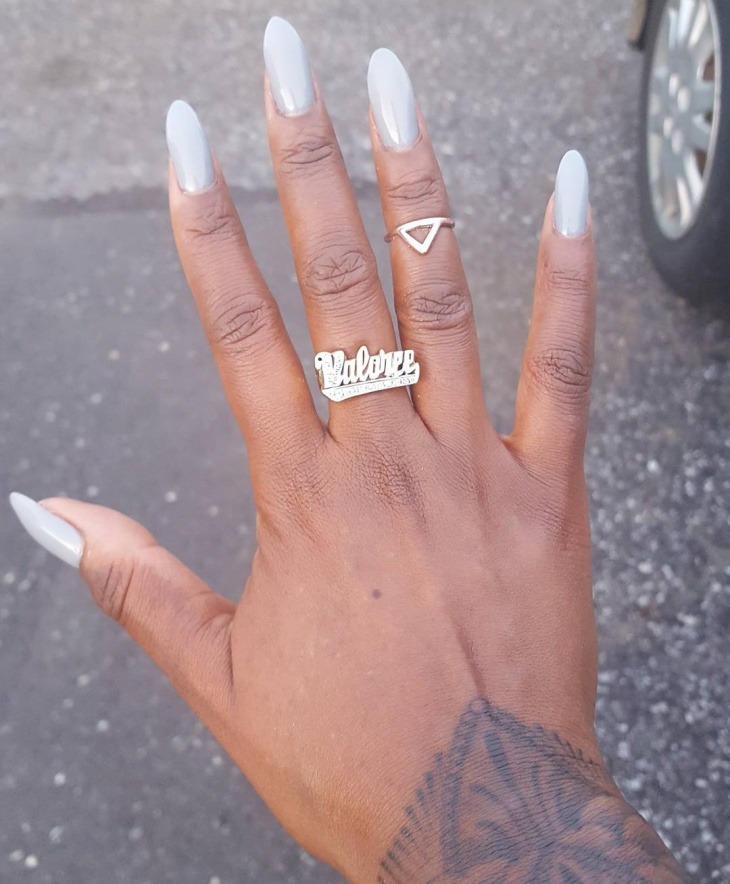 simple hand painted nails
