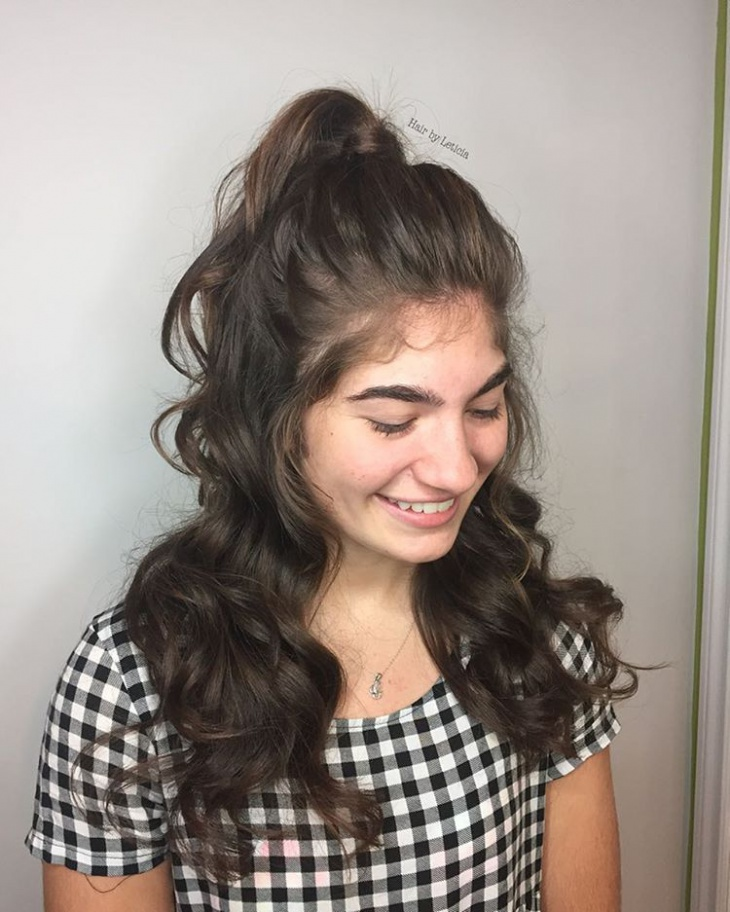 wavy and silky ponytail