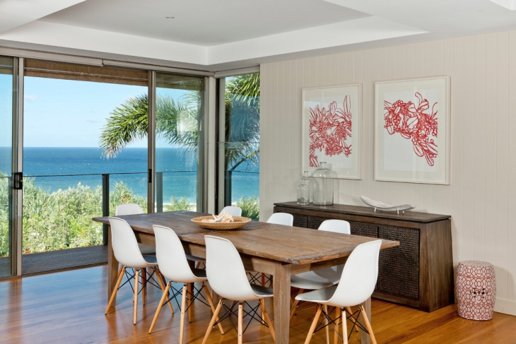 beach view dining room
