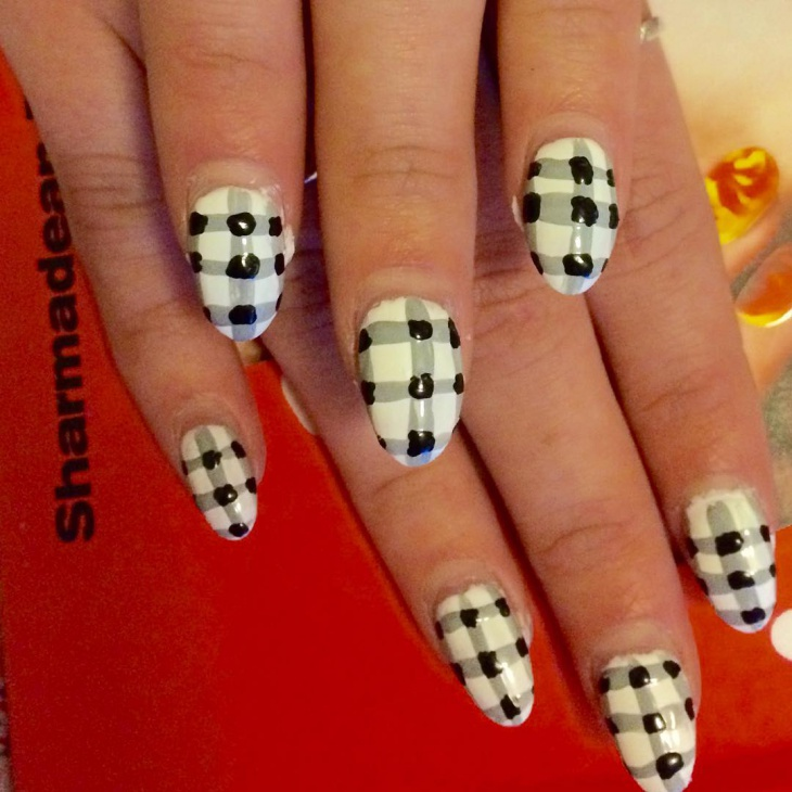 Black and White Gingham Nails