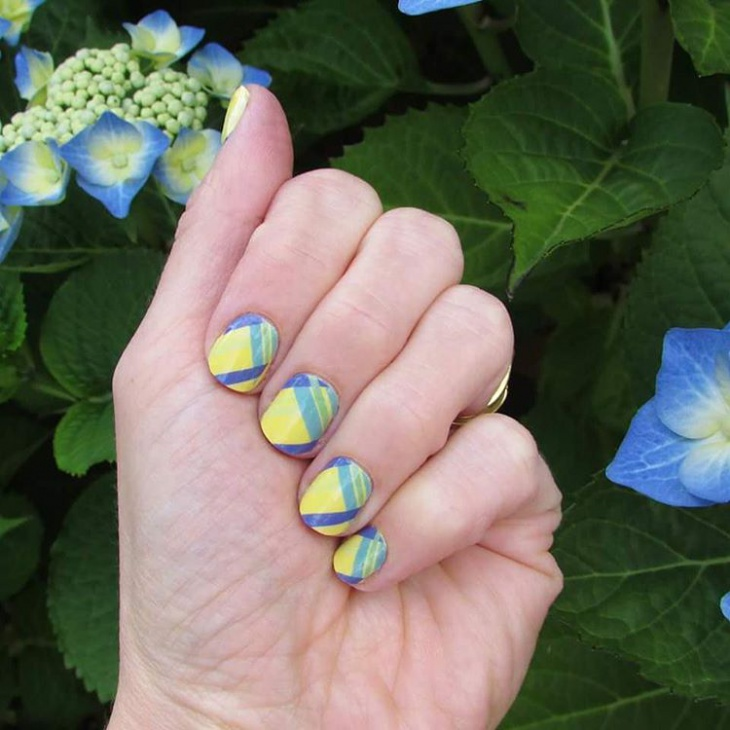 Yellow plaid Nail Design