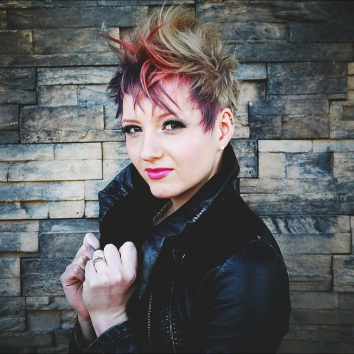 Modern Fauxhawk Haircut for Women