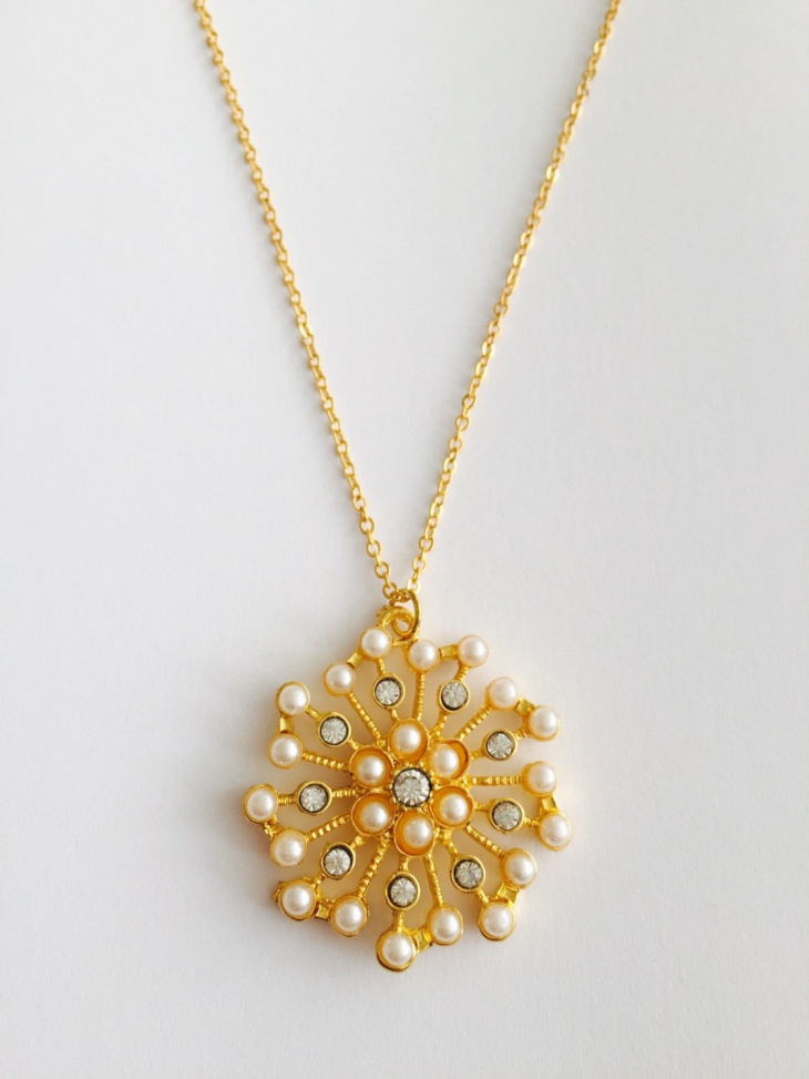 Awesome Pearl Snowflake Pendant