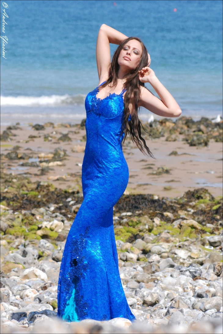 blue mermaid gown idea