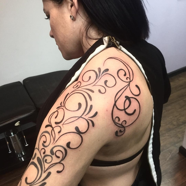 Awesome Swirl Shoulder Tattoo