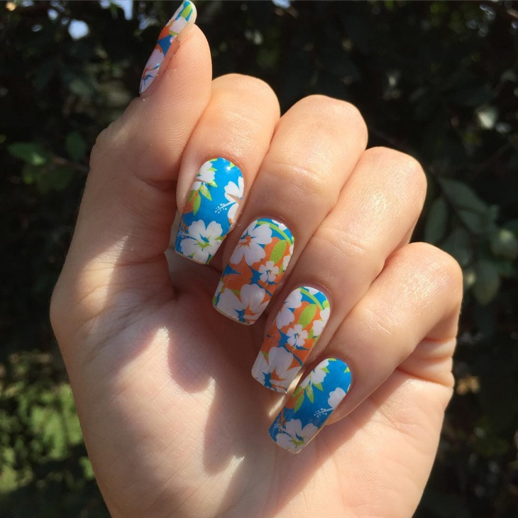 Hibiscus Summer Nail Art