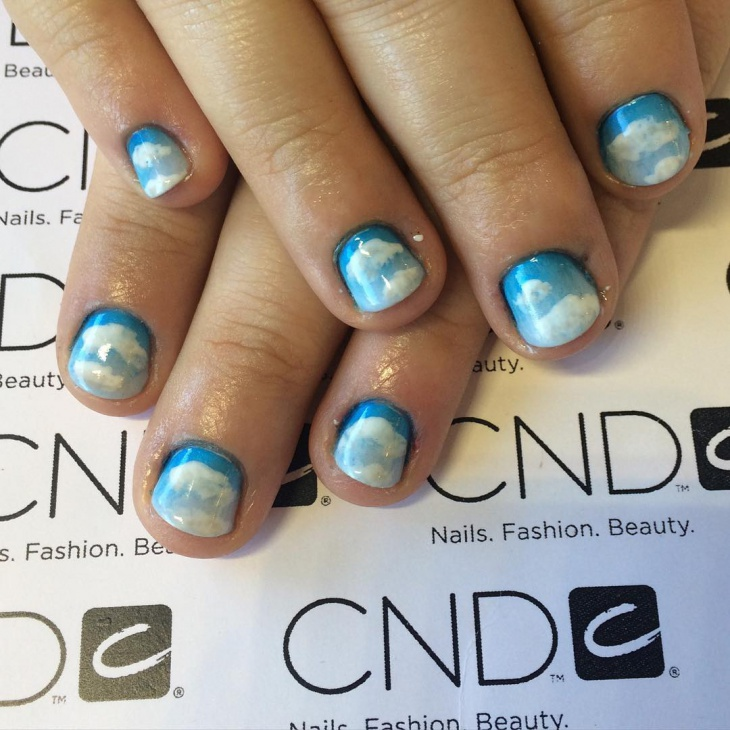 gel cloud nail design