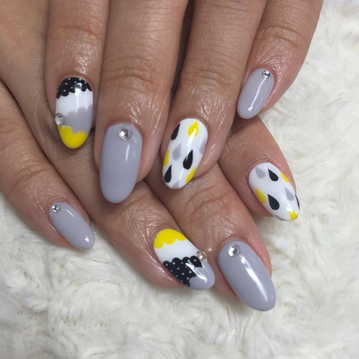 grey color cloud nail design