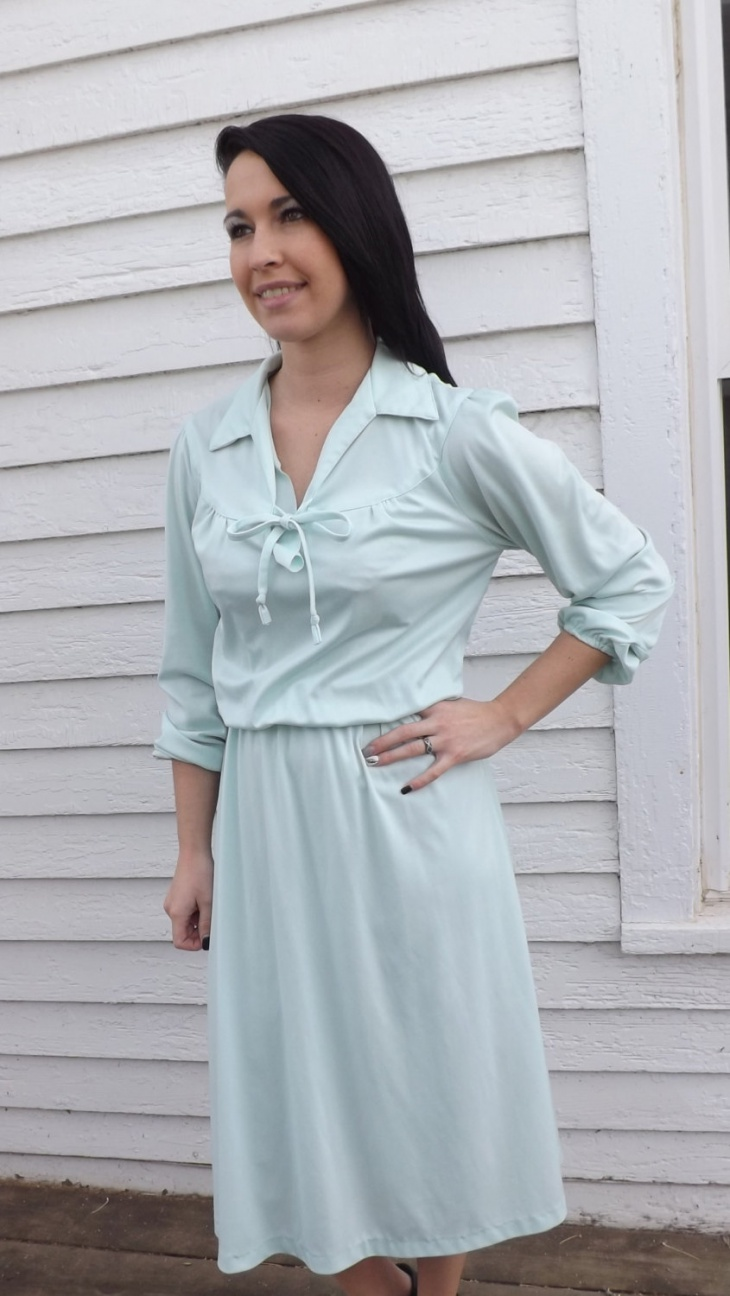 Pale Green Blouson Dress Design