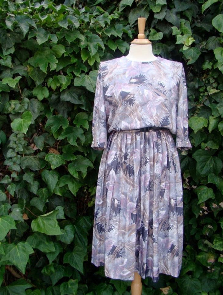 retro style blouson dress