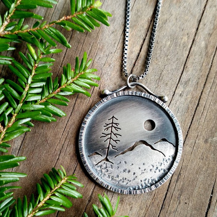 mountain view pendant design