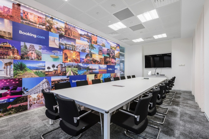traditional officee wall art design