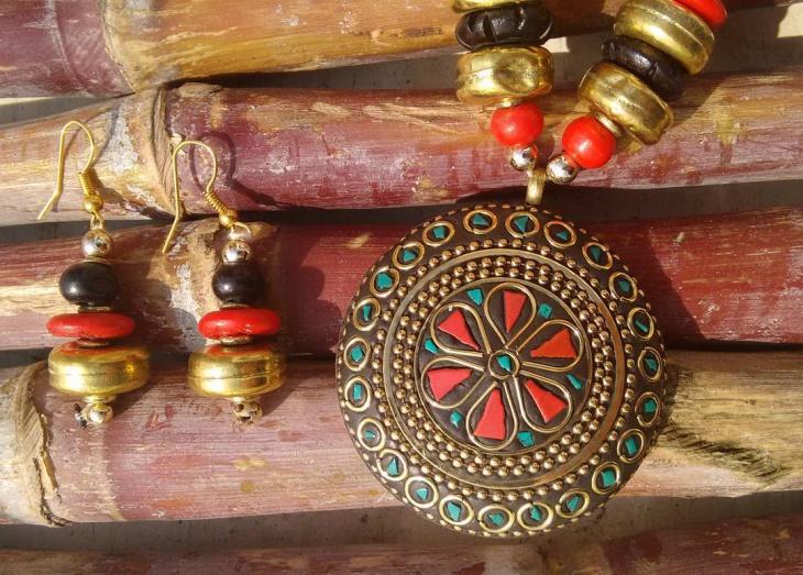 tribal style mosaic jewelry