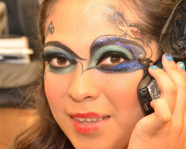 craetive masquerade eye makeup