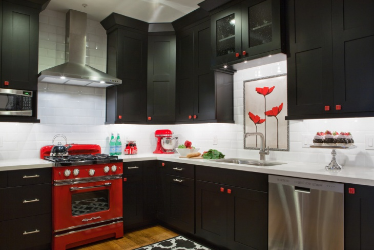 Black and Red Kitchen Cabinet Idea