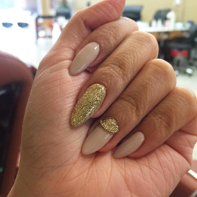 Beaded Glitter Nail Design