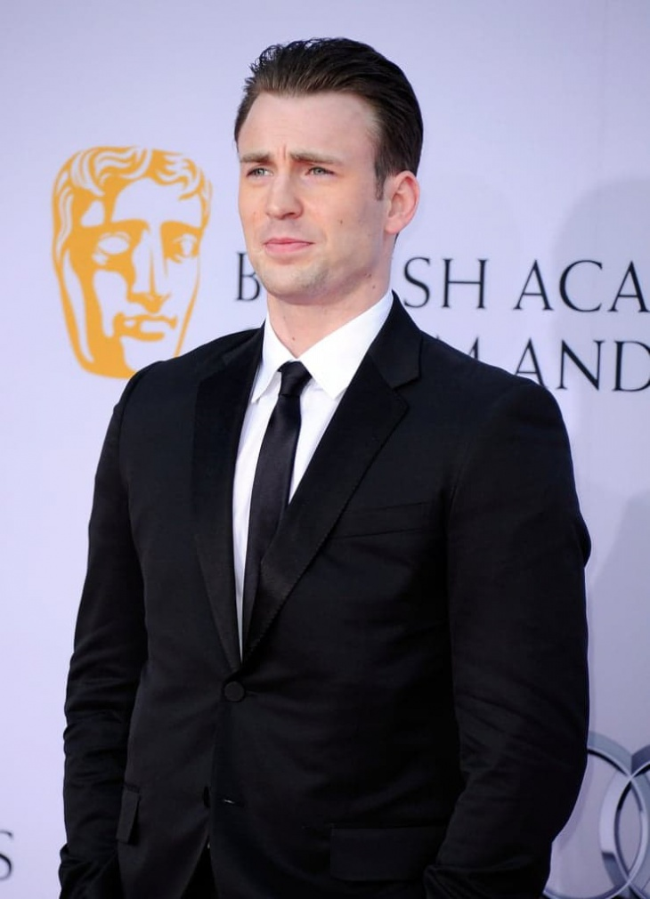 chris evans short greaser hairstyle