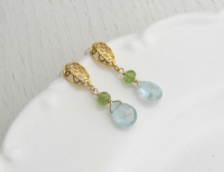 Peridot Gold Filigree Earrings