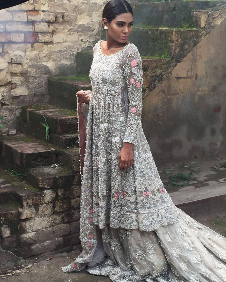 Flamboyant Wedding Dress