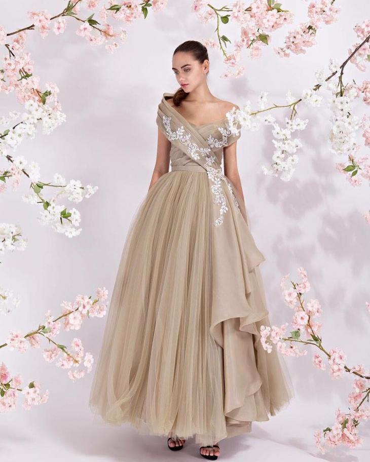 flamboyant bridal dress idea