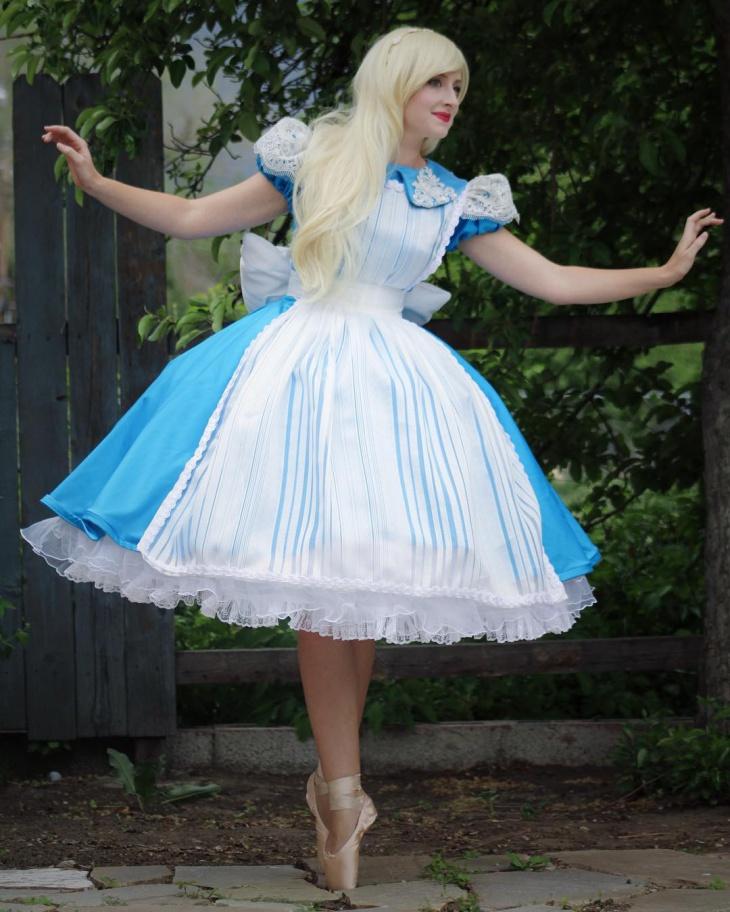 Cute Flamboyant Lace Dress