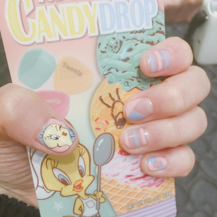 tweety nail art for short nails