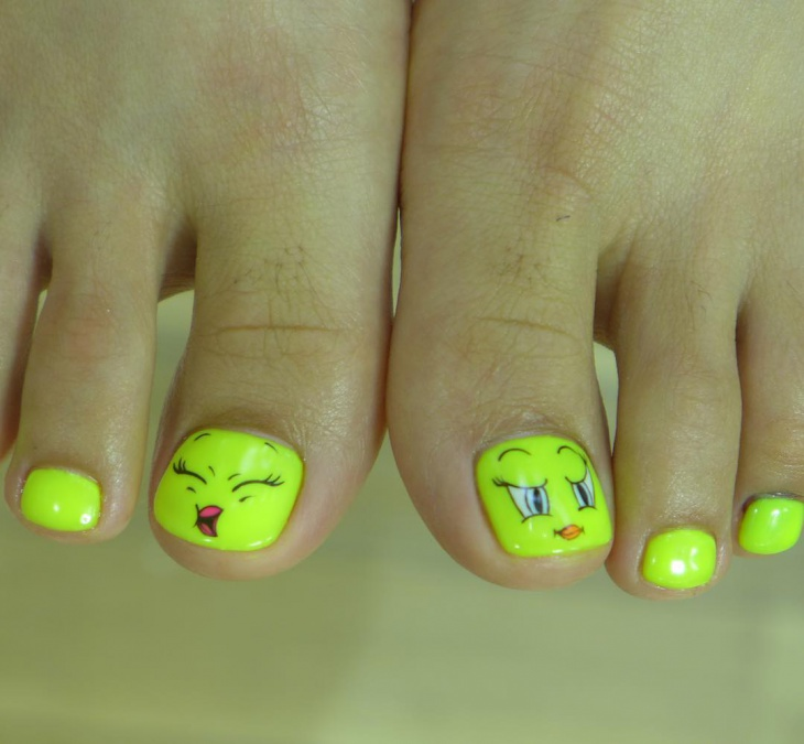 tweety toe nail art design
