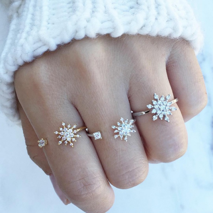 gold snow flake couple ring