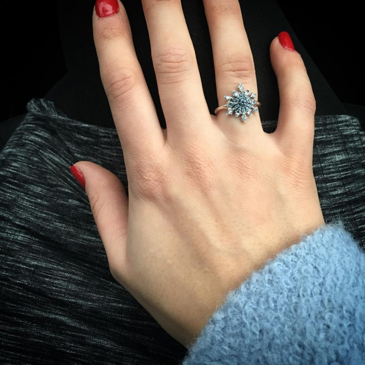blue snowflake ring