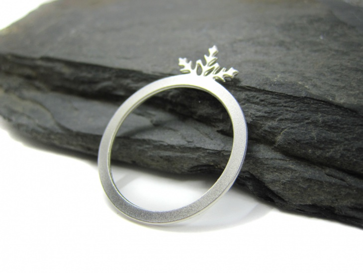 awesome snowflake ring
