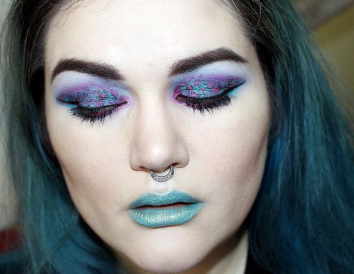beautiful scale makeup idea