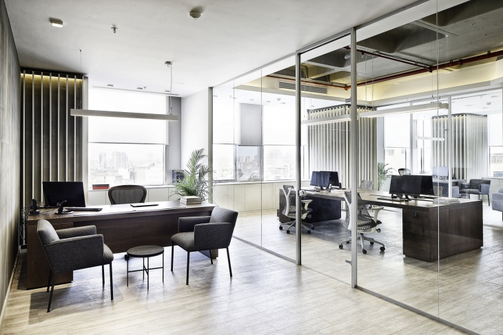 Glass Door Modular Office Design
