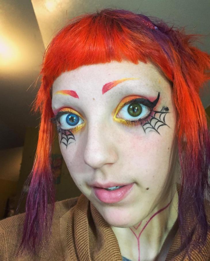 Dramatic Spider Web Eye Makeup