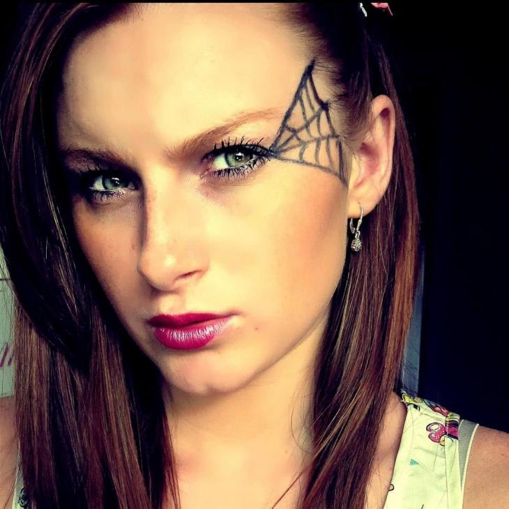 Beautiful Spider Face Makeup